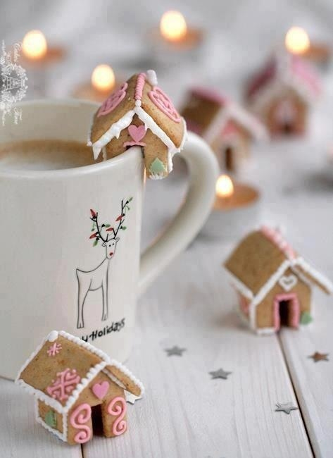 Gingerbread cup toppers