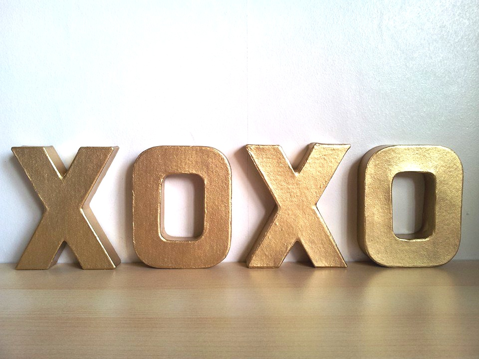 Do it yourself xoxo letter art oh my im inspired gold letters spelling xoxo solutioingenieria Images