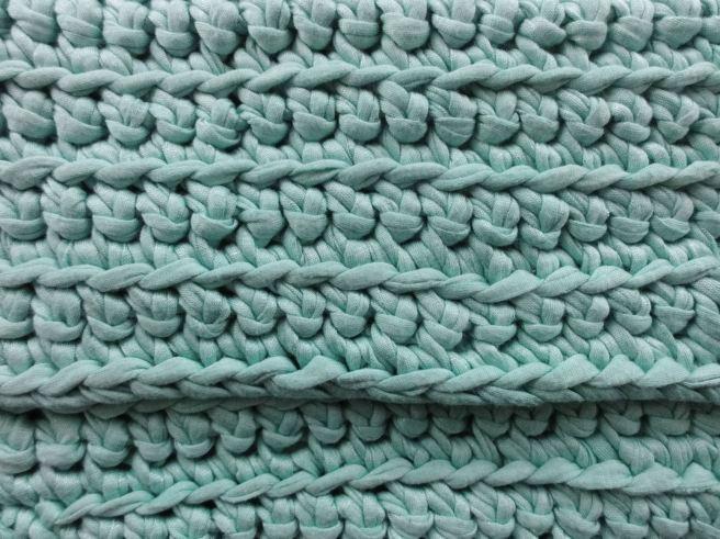 crochet-clutch-bag-close-up