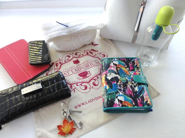 contents of handbag